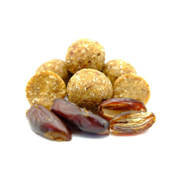 Cremig-karamelliges Dattel Konfekt - bio rohkost